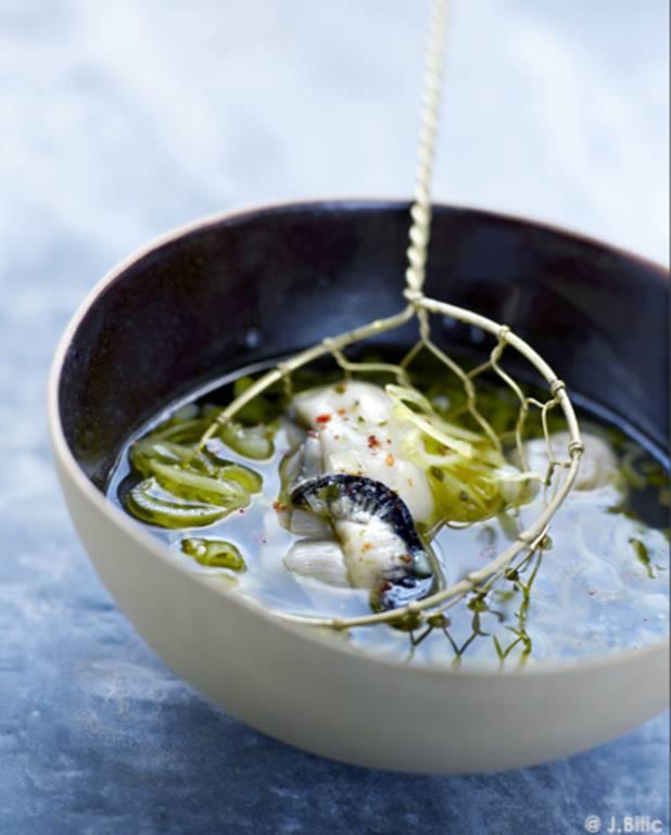 Huîtres pochées au bouillon pho