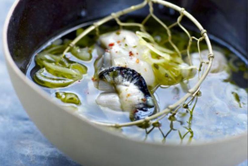 Recette : Huîtres pochées au bouillon pho